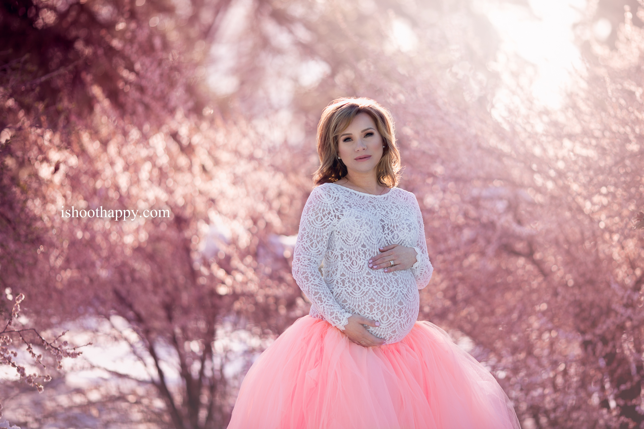 Denver Maternity Photo, Pregnancy Photography, Denver Pregnancy Photographer, Motherhood, Belly Photo, Maternity Photo Ideas, Best Denver maternity photographer, Photos of mom-to-be, Motherhood Photo