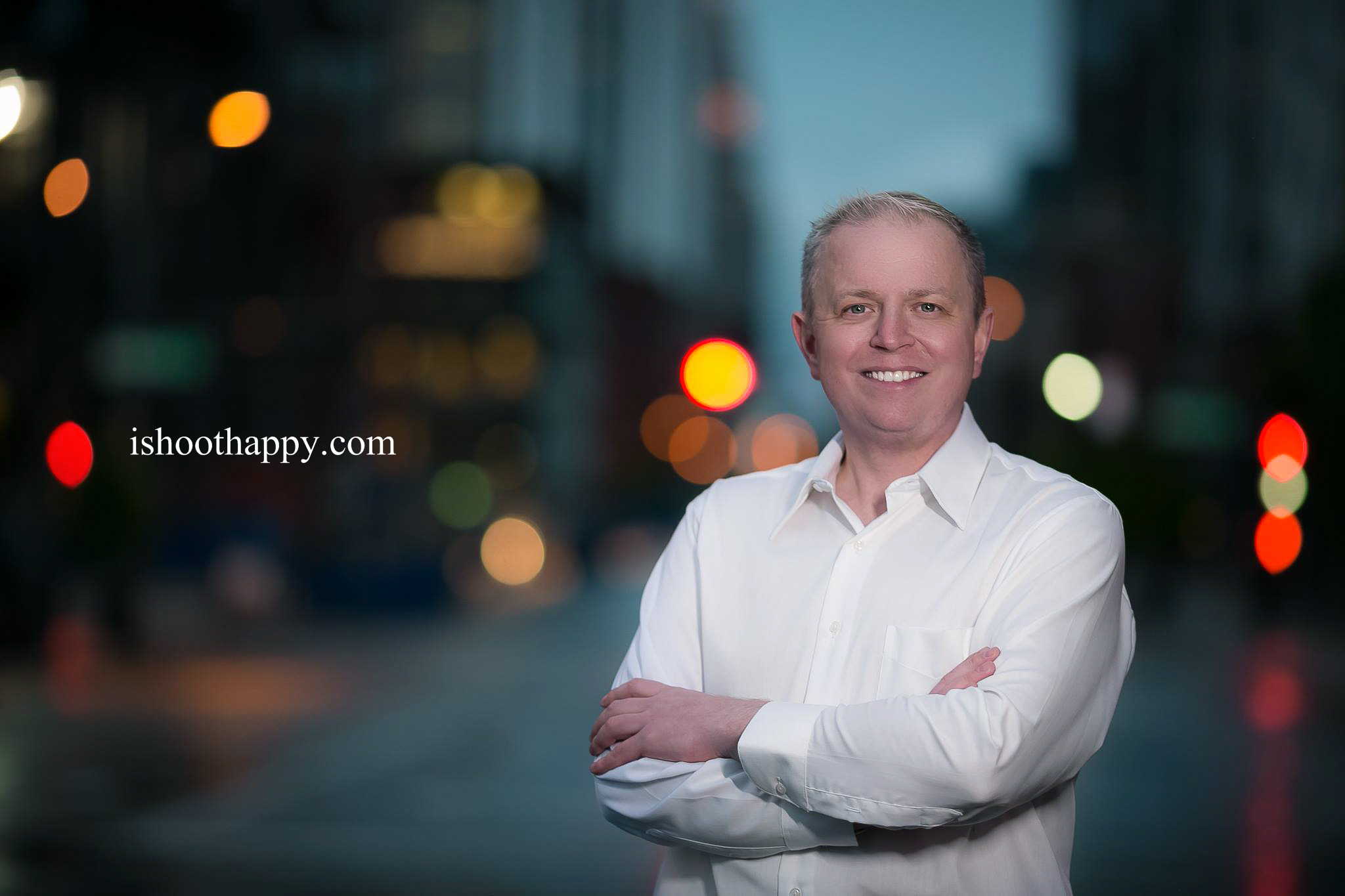 denver photography, denver photographer, denver headshots, colorado head shot, profile photos, social media photo, dating profile photo, dating photo, tinder profile photo, head shot, headshots, night portrait, reflections, night portrait