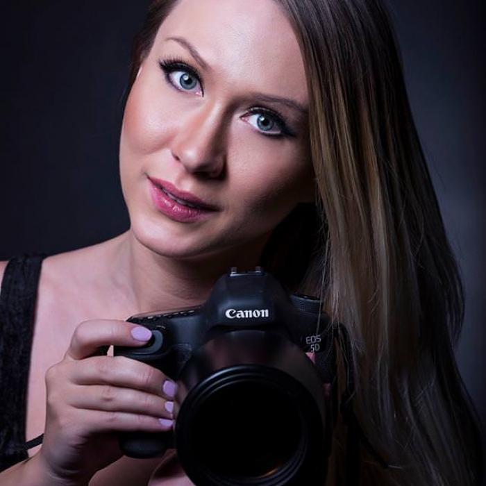 female-boudoir-photographer